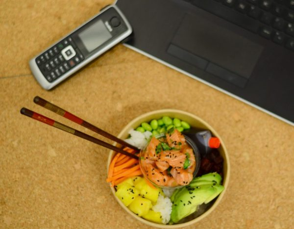 Déjeuner d'entreprise Poke Bowl Saumon Sesame